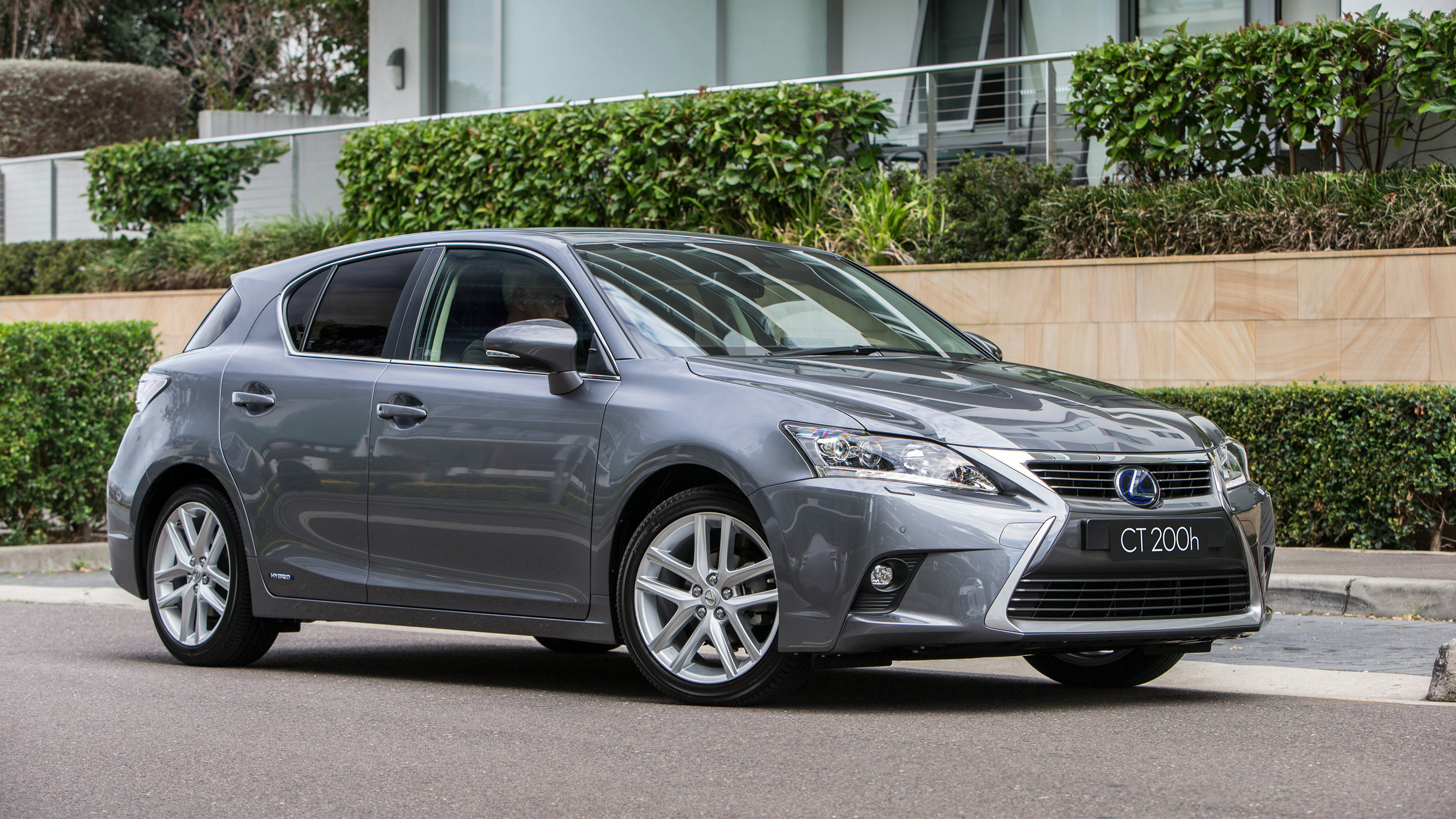 lexus ct200h review 2014 chasing cars. Black Bedroom Furniture Sets. Home Design Ideas
