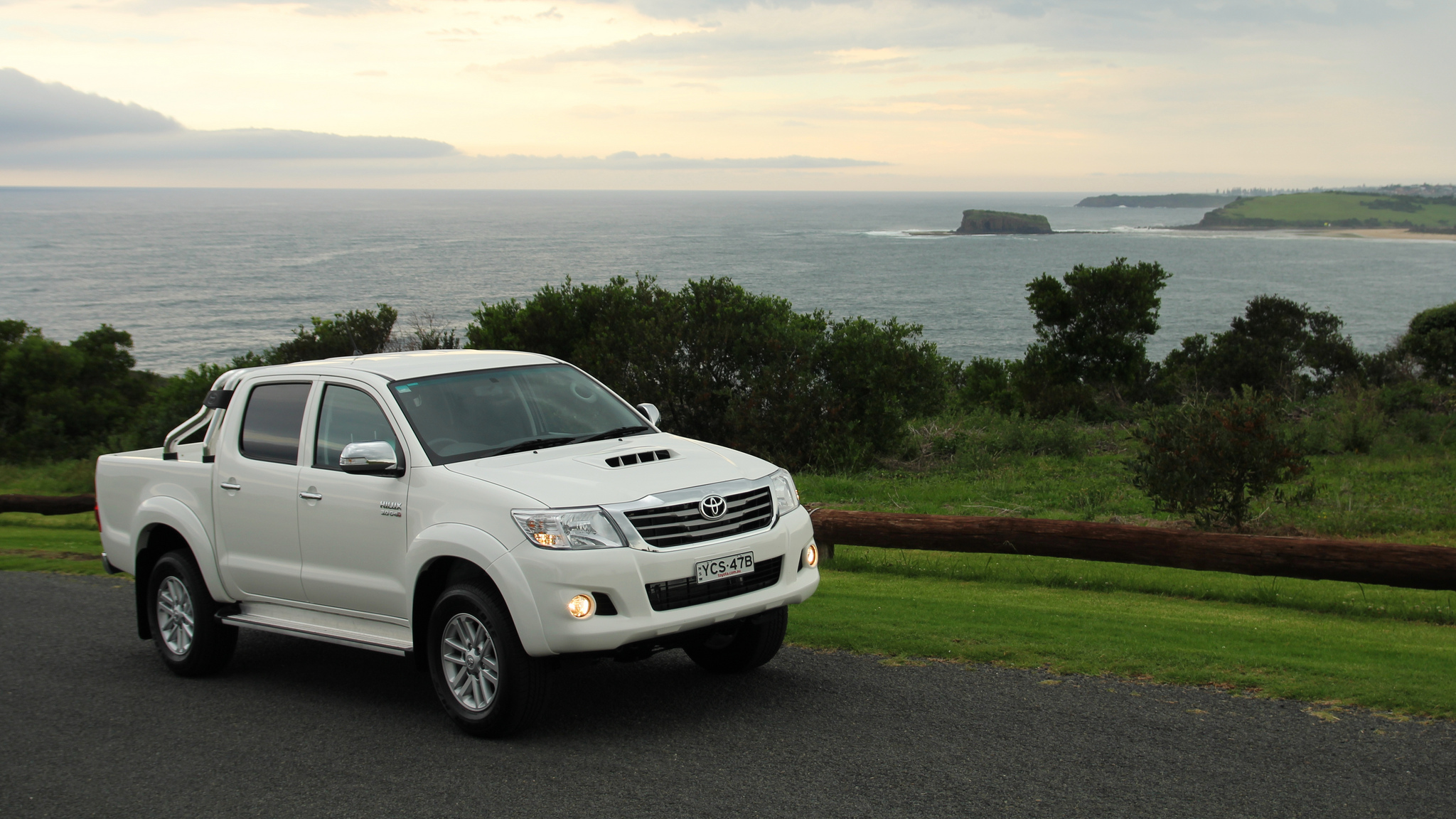 Driving Notes: the Toyota HiLux SR5 - Chasing Cars