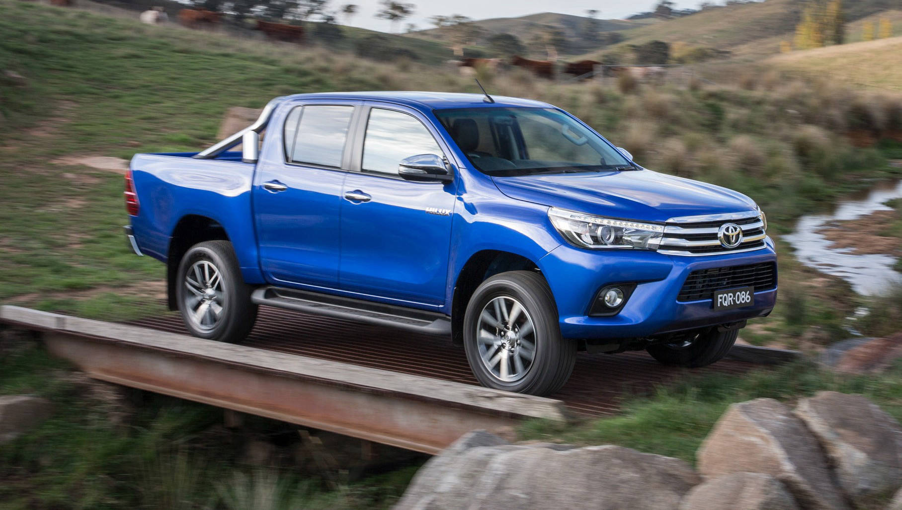 Chasing Cars – 2015 Toyota HiLux Ute