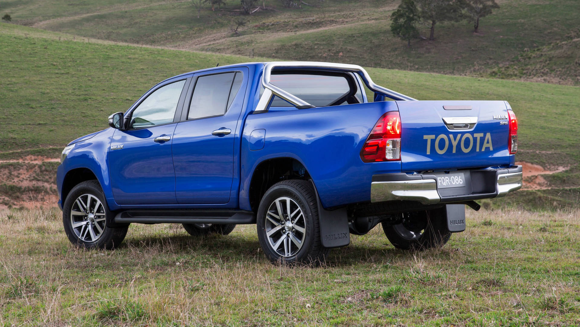 Toyota Hilux 2016 Engines Revealed V6 Unchanged