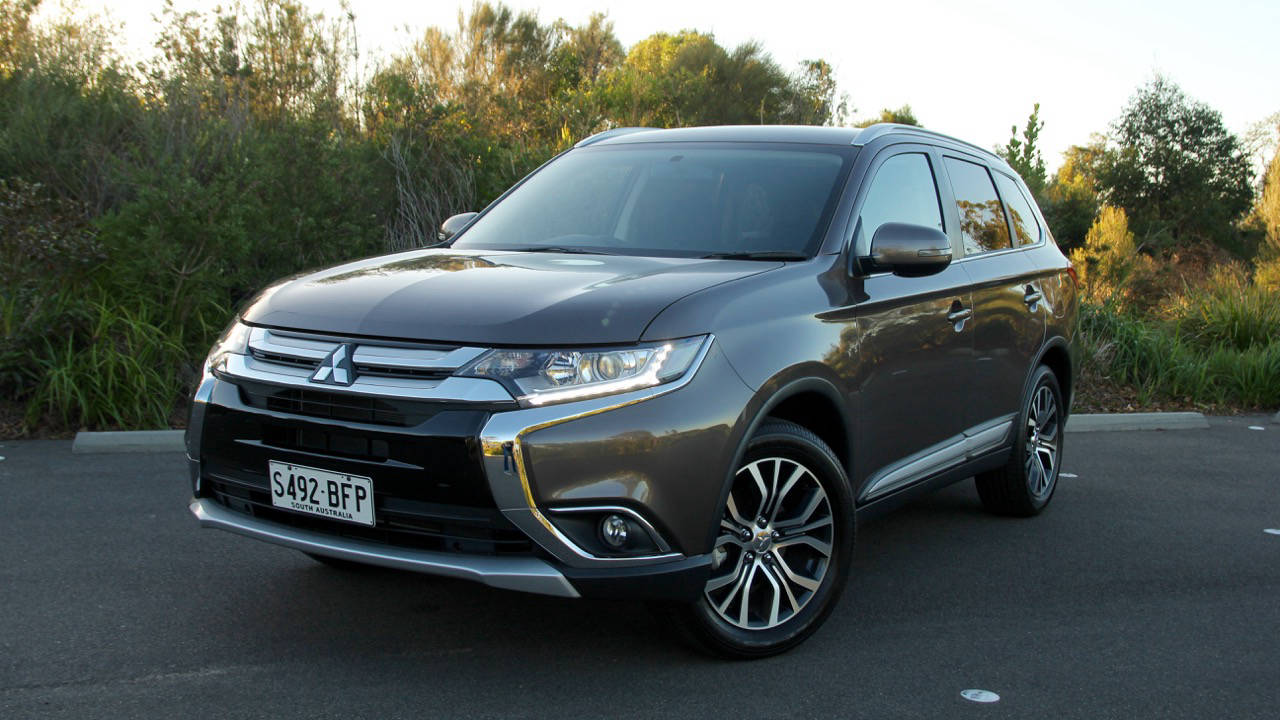 Mitsubishi Outlander Review 2016 Chasing Cars