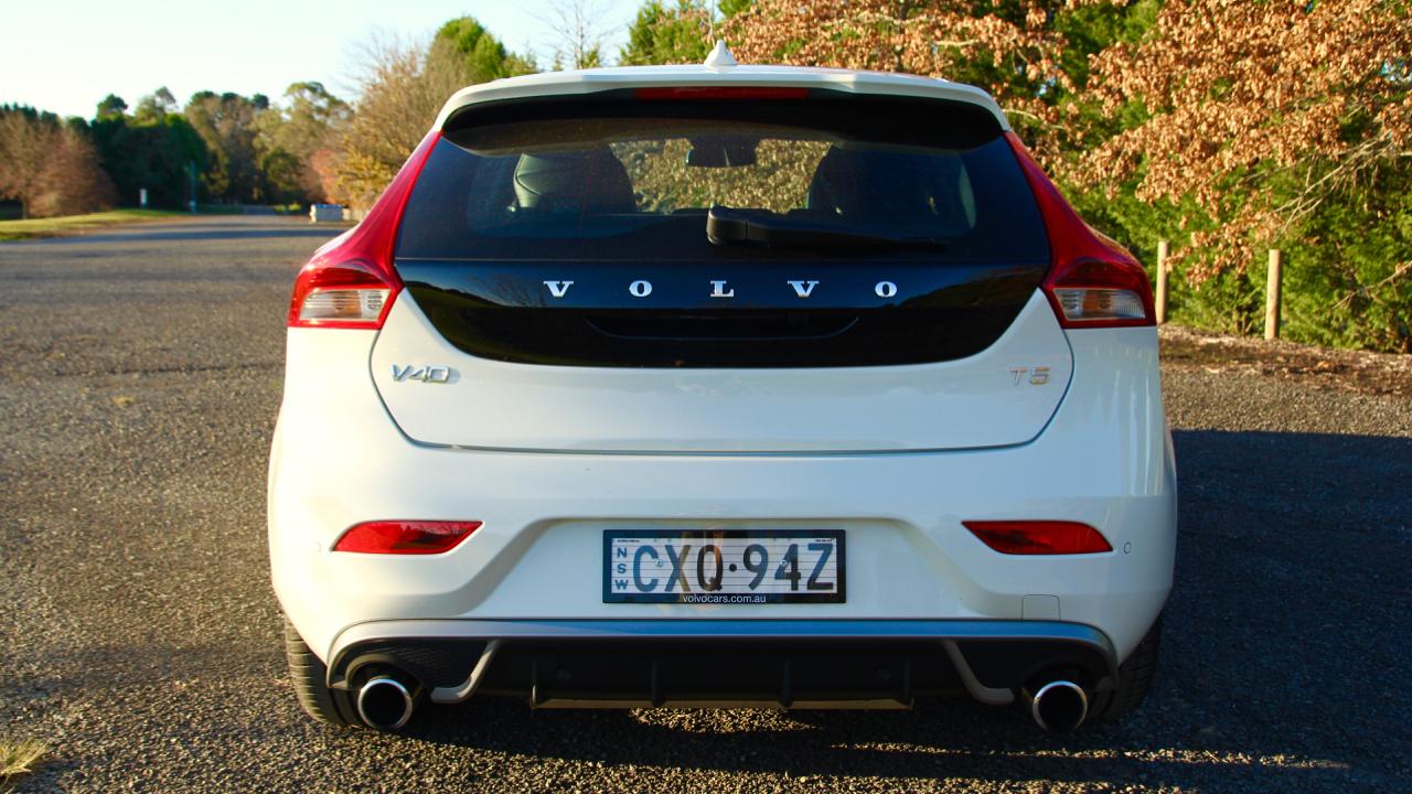 2015 Volvo V40 T5 R-Design