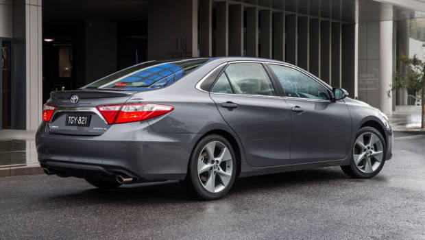 2015 Toyota Camry Atara SL with optional 18 inch wheels