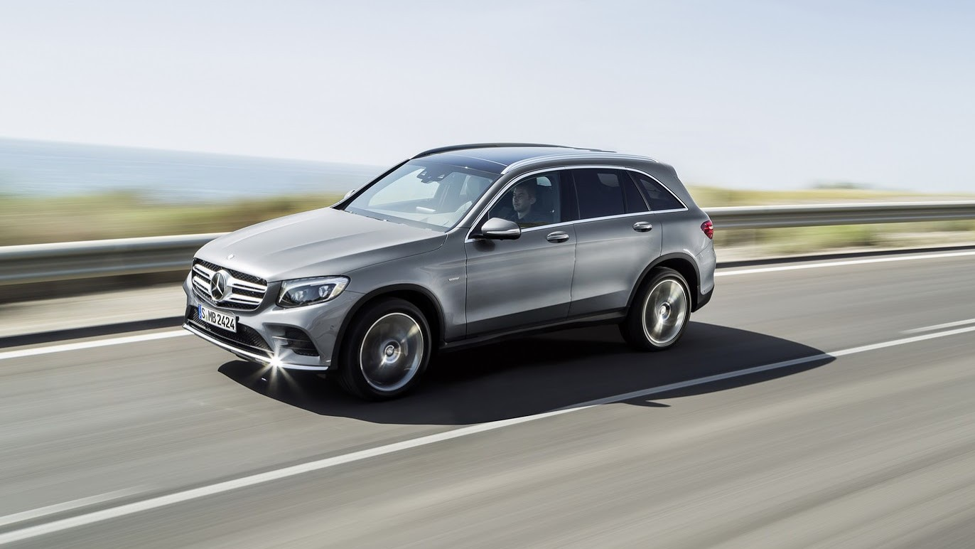 Mercedes benz glc 2016 small suv unveiled chasing cars for Small mercedes benz