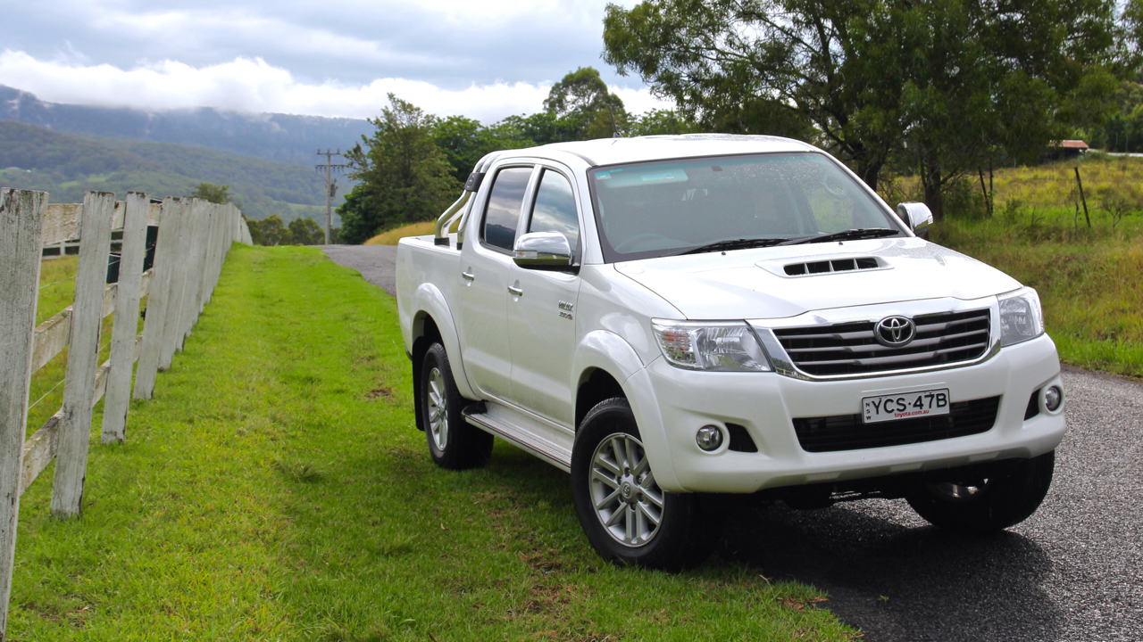 Toyota Hilux 2015 Review Chasing Cars