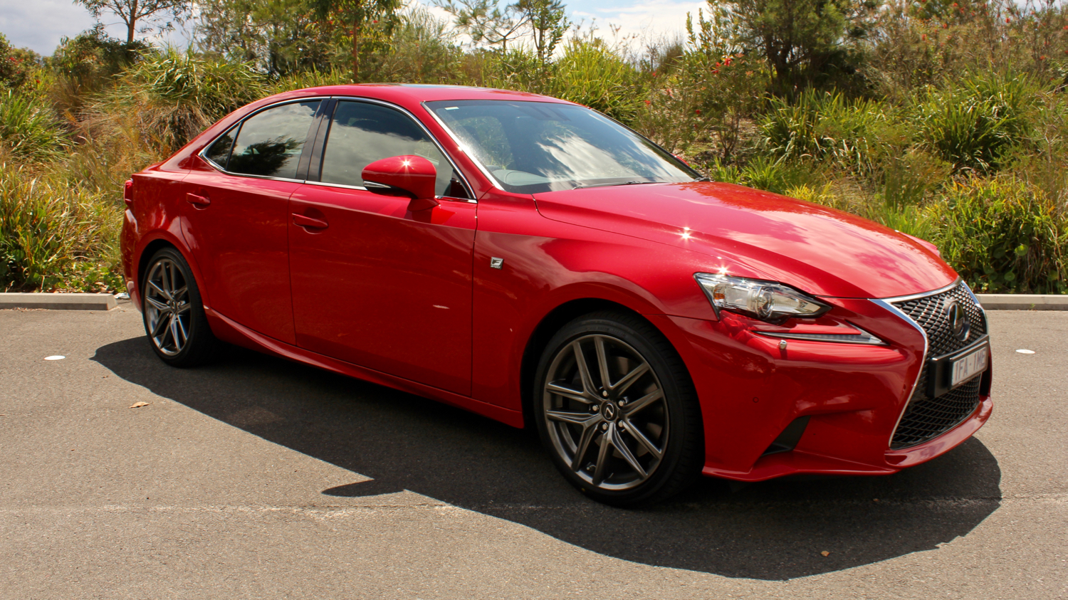 2016 lexus is200t review chasing cars. Black Bedroom Furniture Sets. Home Design Ideas