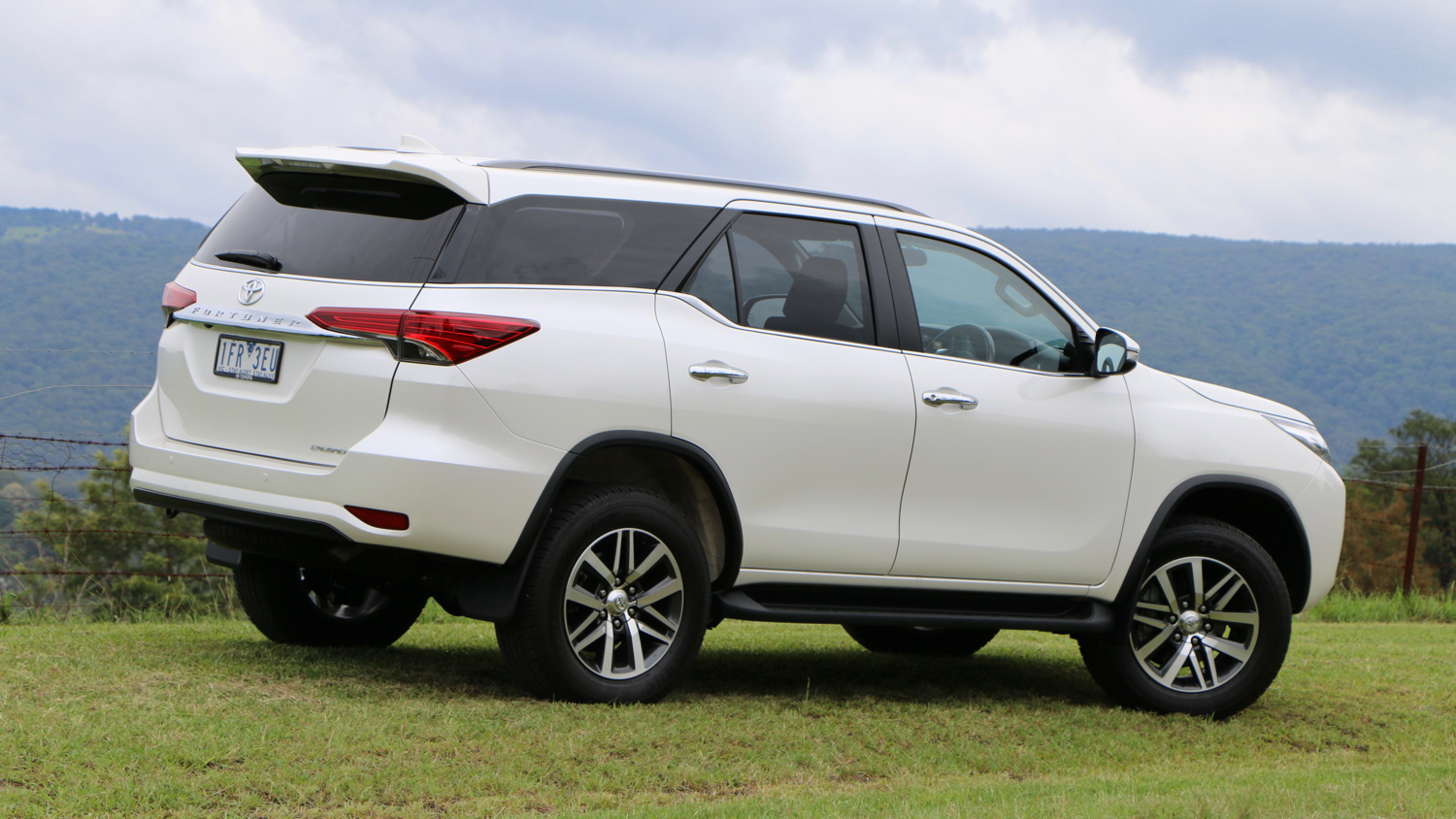 2016 Toyota Fortuner Review Chasing Cars