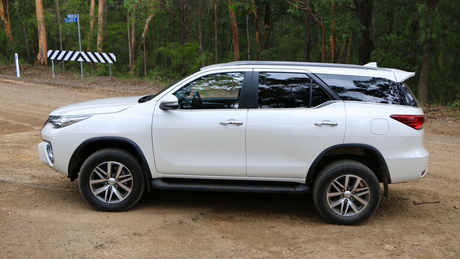 2016 Toyota Fortuner Crusade – Chasing Cars