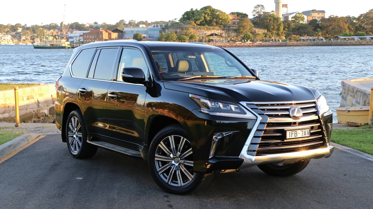 2016 Lexus Lx 570 Review Chasing Cars