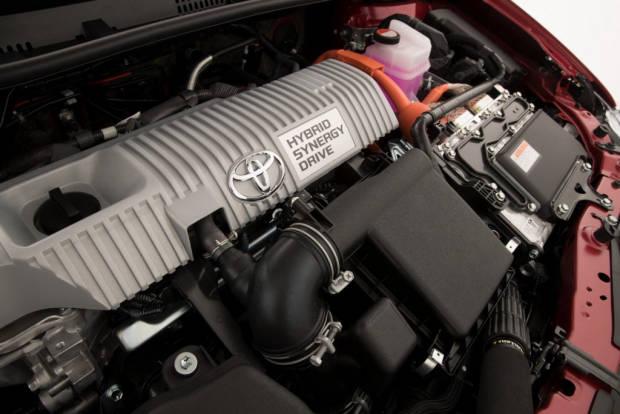 2016 Toyota Corolla Hybrid - Chasing Cars 5