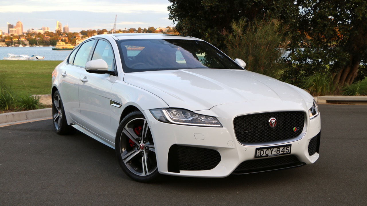 2016 Jaguar XF S Review – Chasing Cars
