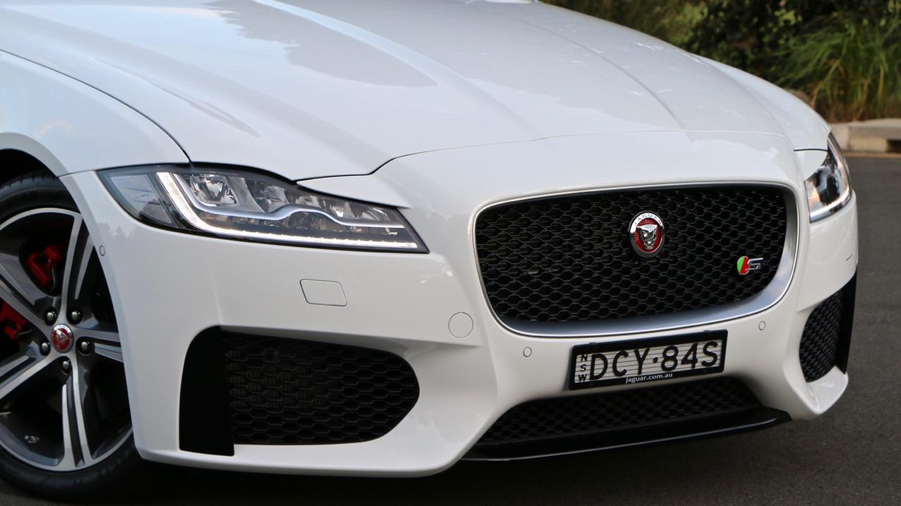 2016 Jaguar XF S Review – Chasing Cars