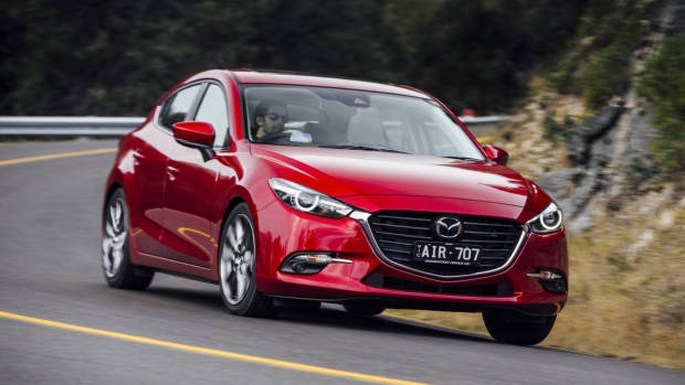 2017 Mazda 3 SP25 GT - Chasing Cars