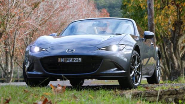 2016 Mazda MX-5 Review –Chasing Cars