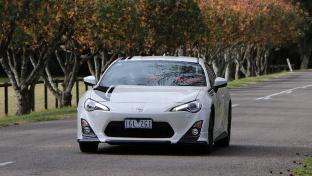 2016 Toyota 86 Review – Chasing Cars