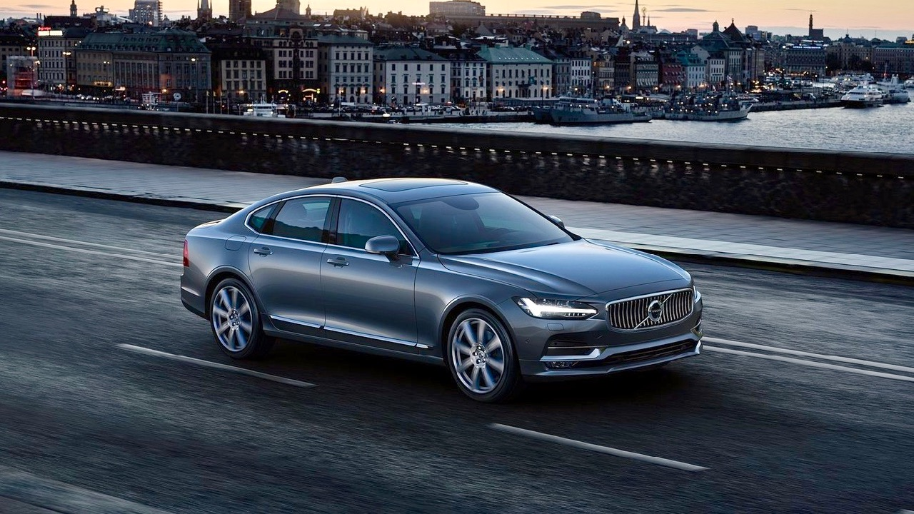 2017 Volvo S90 - Chasing Cars