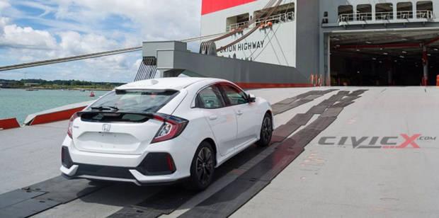 2017 Honda Civic Hatch - Chasing Cars