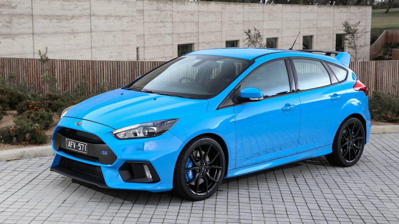 2016 Ford Focus RS - Chasing Cars