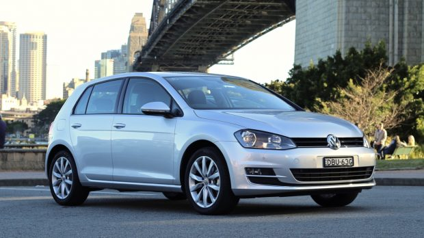 2016 Volkswagen Golf Review - Chasing Cars