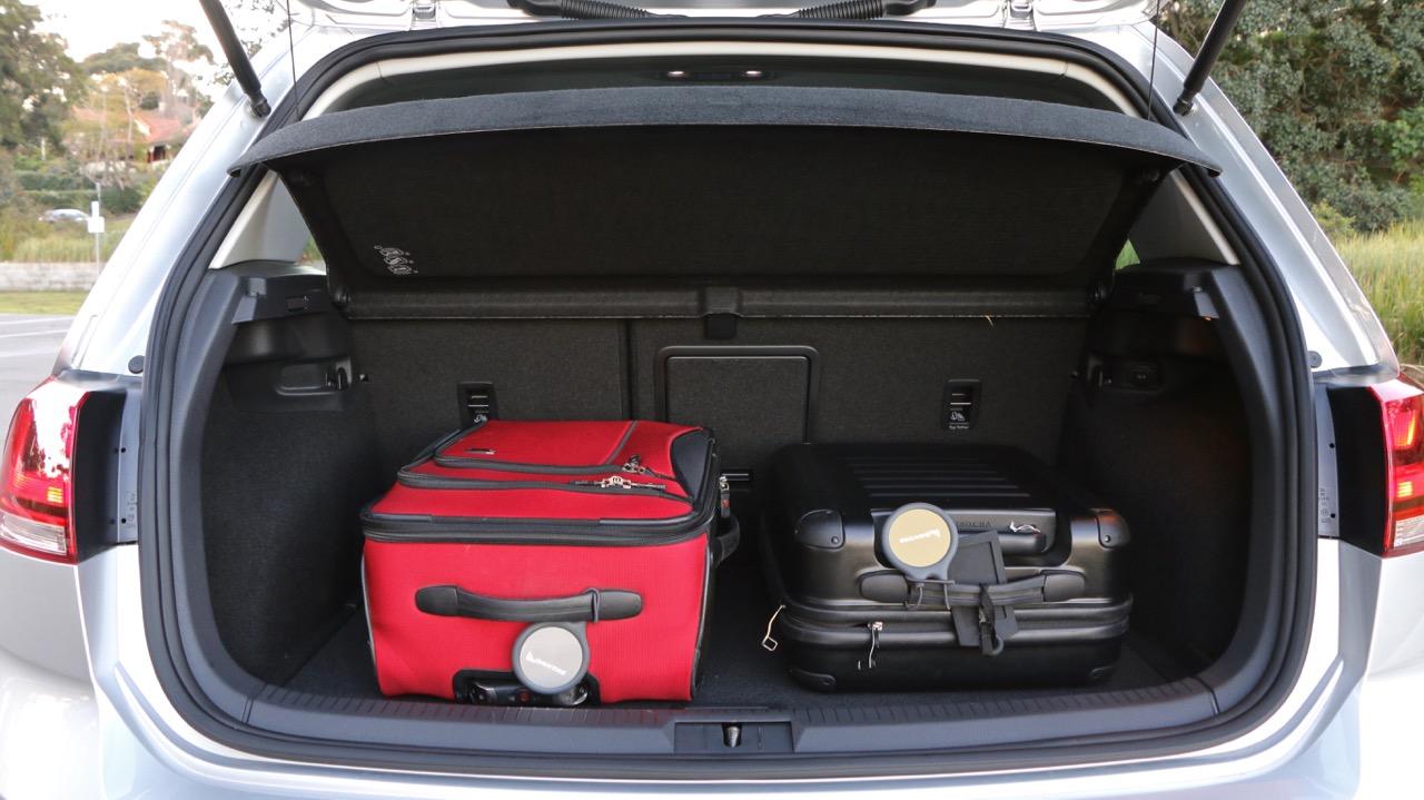 Volkswagen Golf Boot - Chasing Cars