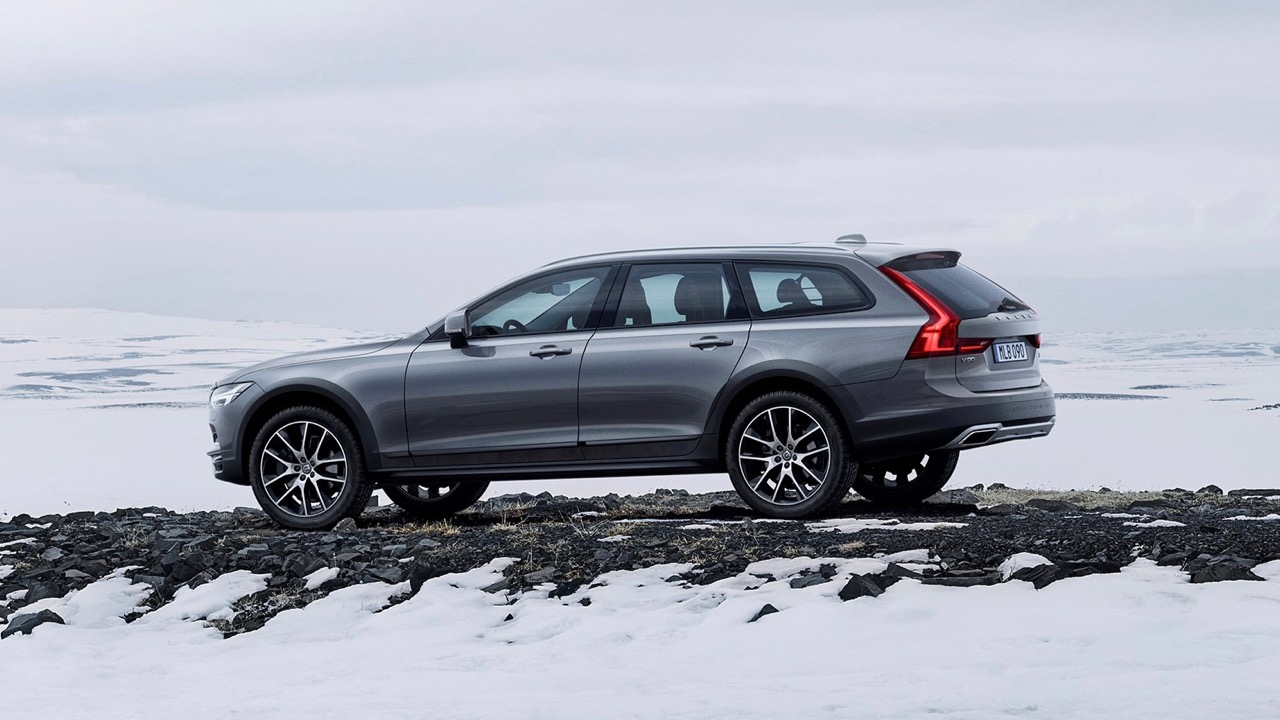 2017 volvo v90 cross country unveiled looks great chasing cars. Black Bedroom Furniture Sets. Home Design Ideas
