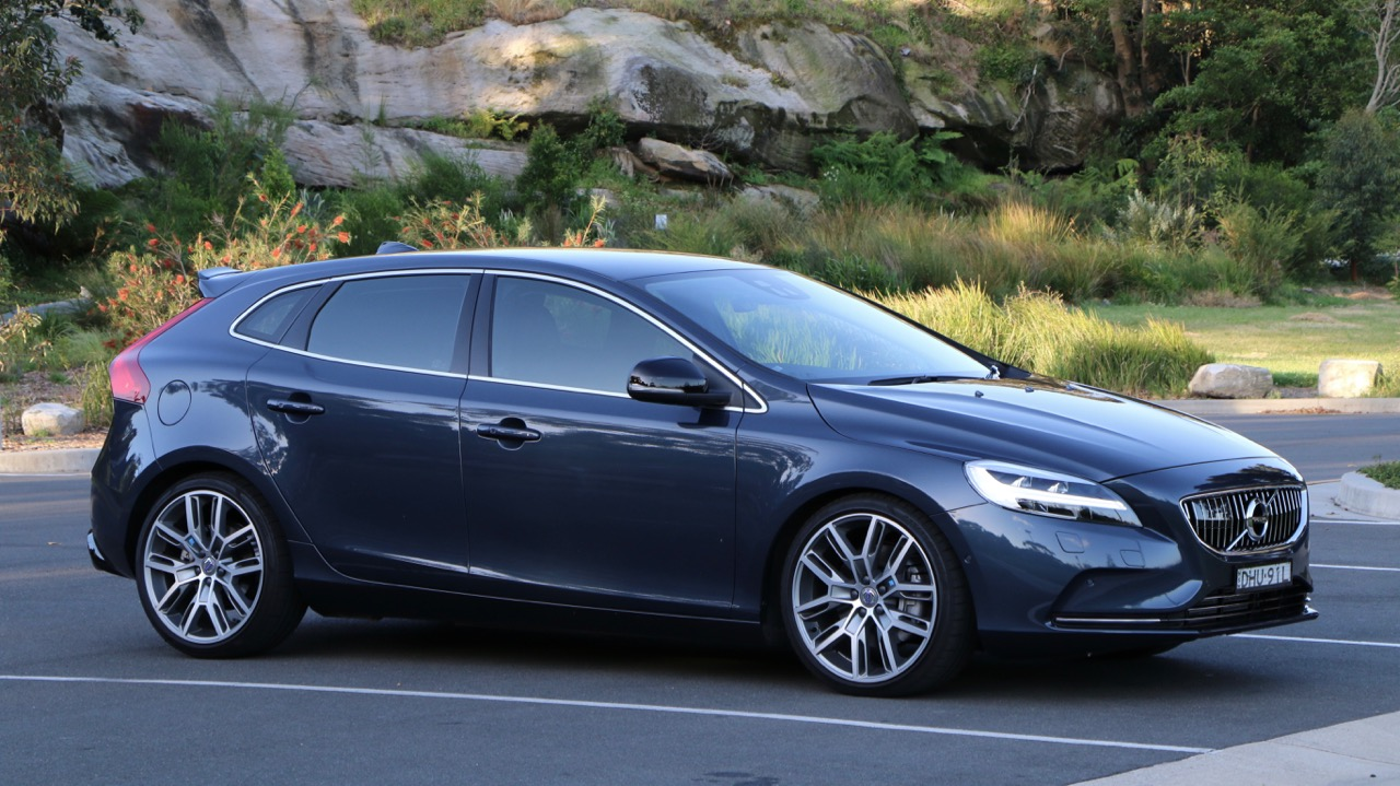 The side profile of a 2017 Volvo V40