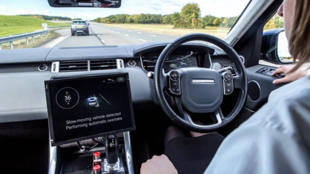 Range Rover Autonomous Driving – Chasing Cars