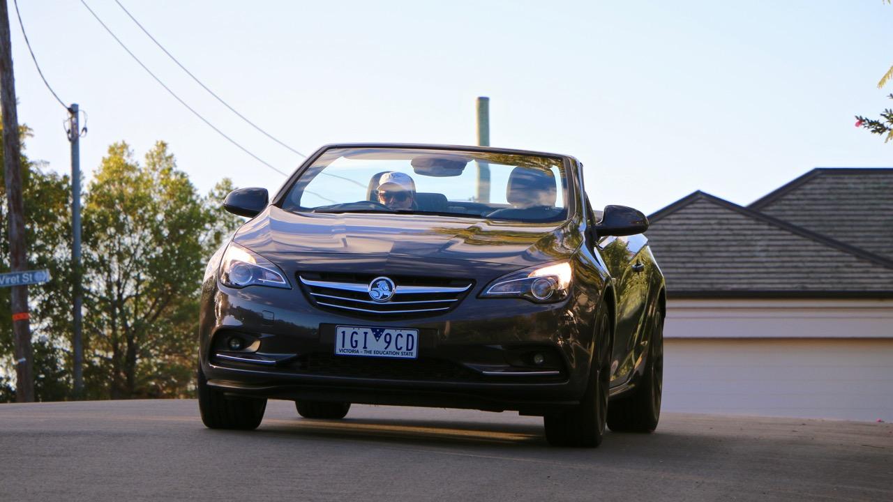 Holden Cascada in motion