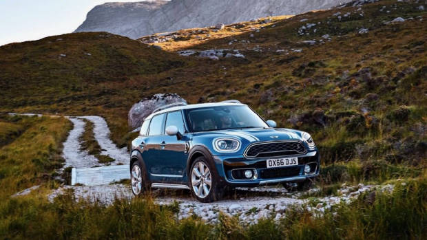 2017 MINI Countryman in the country – Chasing Cars
