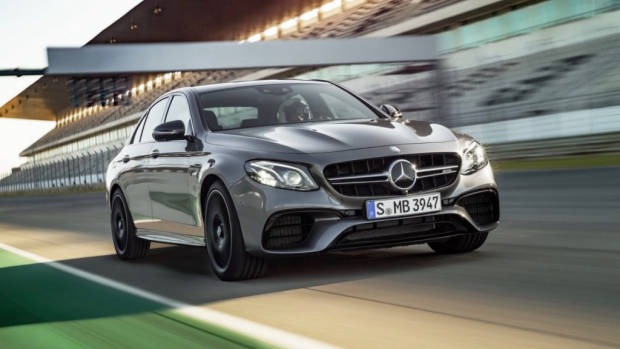 2017 Mercedes-AMG E63 S racetrack – Chasing Cars