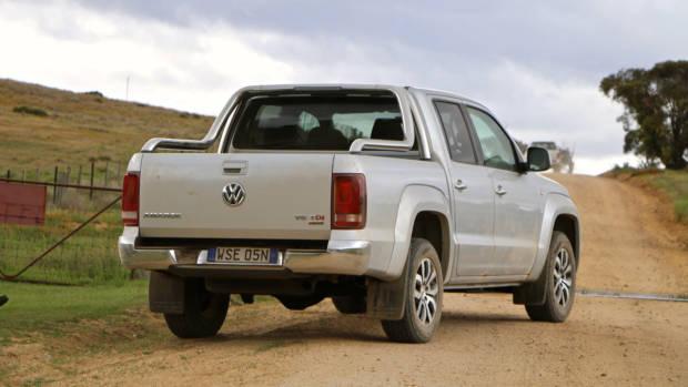 2017 Volkswagen Amarok V6 in silver –Chasing Cars