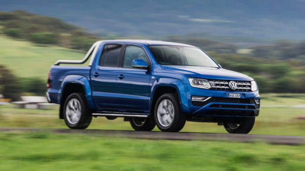 2017 Volkswagen Amarok V6 on a country road –Chasing Cars