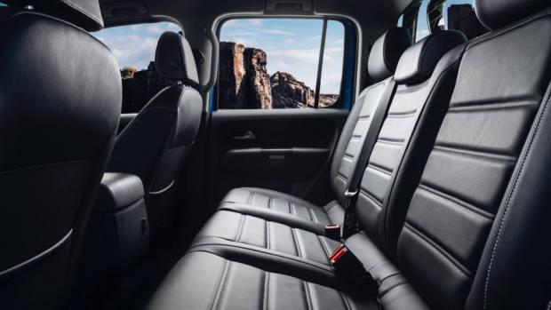 2017 Volkswagen Amarok V6 rear seat space –Chasing Cars