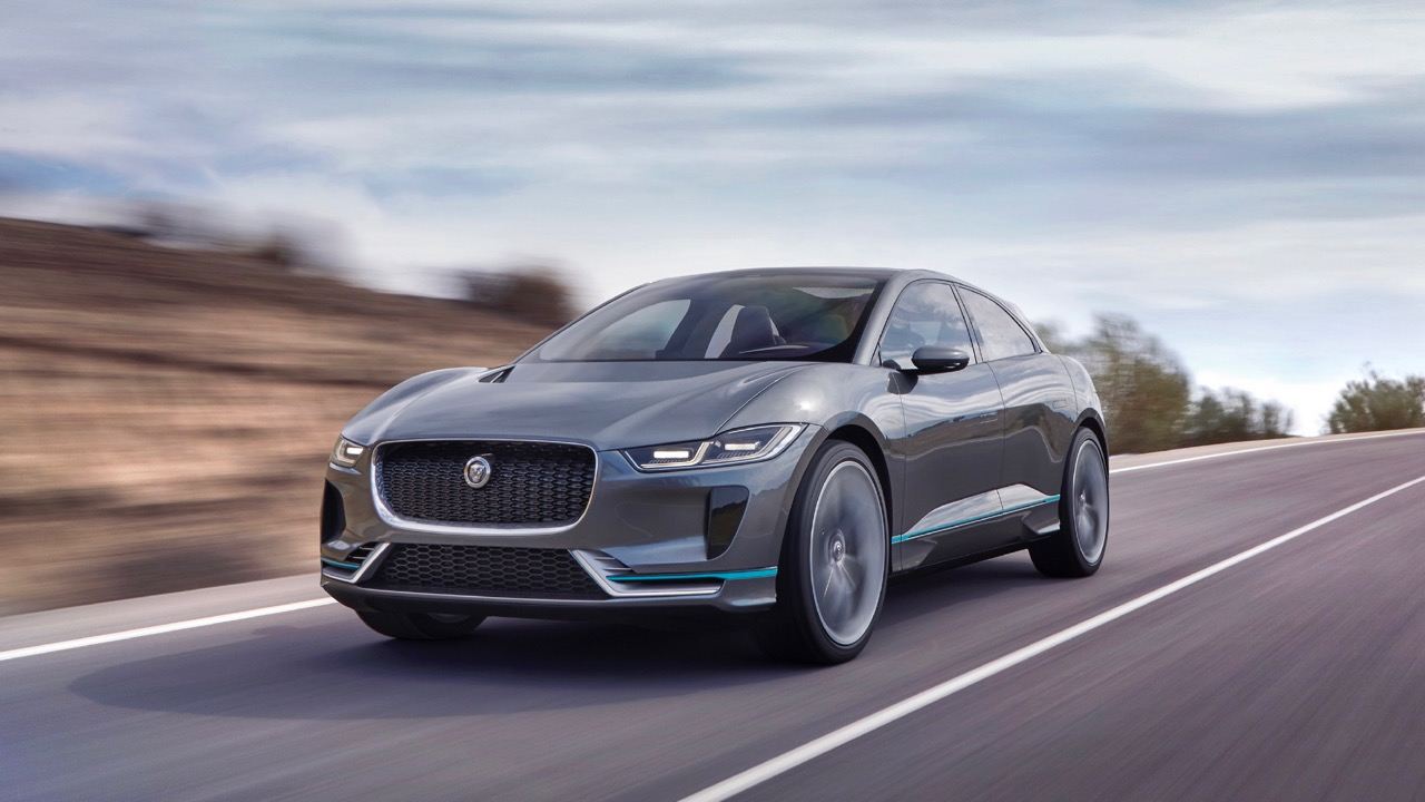 2019 Jaguar I-Pace in motion – Chasing Cars