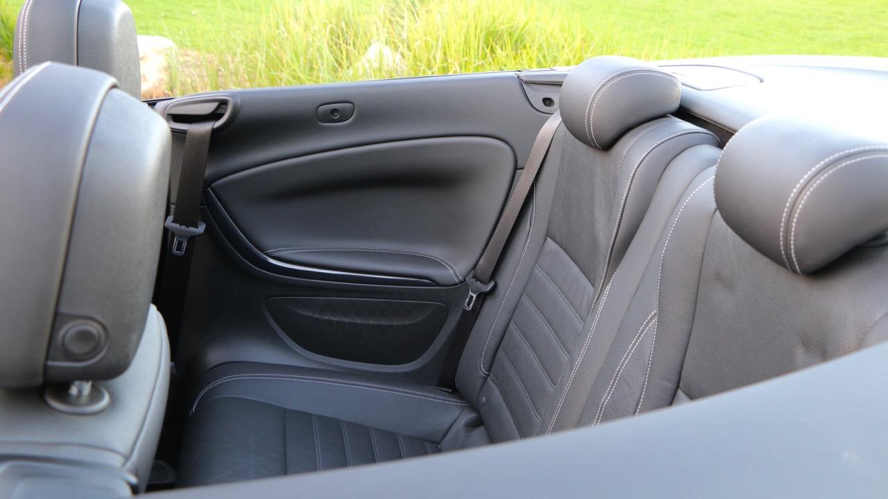 Cascada rear seats