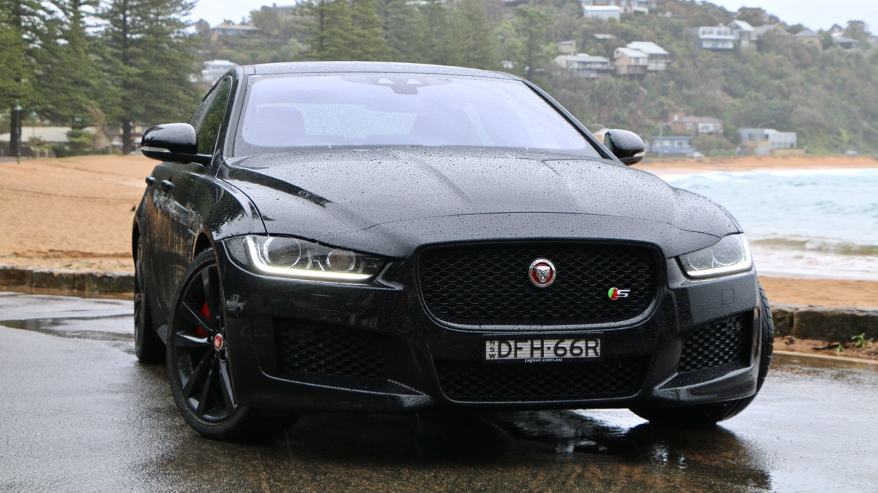 2017 jaguar XE S in Ebony Black – Chasing Cars