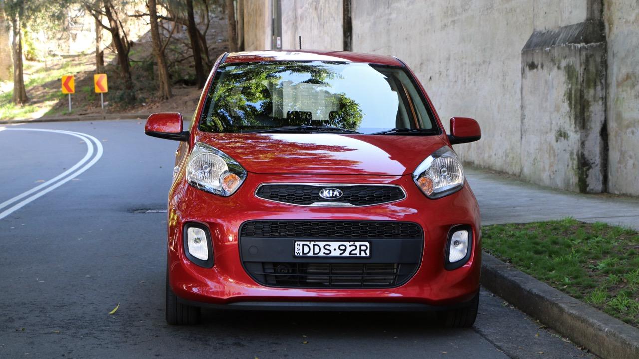 https://www.chasingcars.com.au/wp-content/uploads/2016/12/2017-Kia-Picanto-front-end.jpg