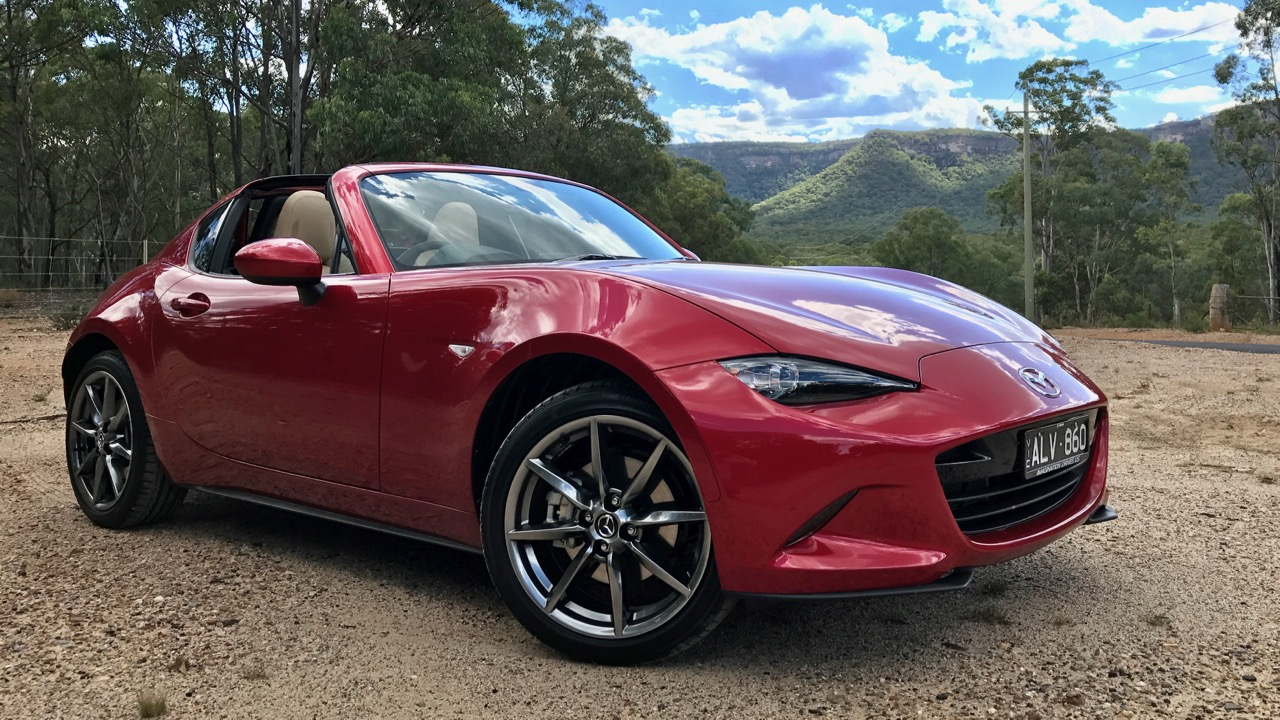 2017 Mazda MX-5 RF Soul Red Front End