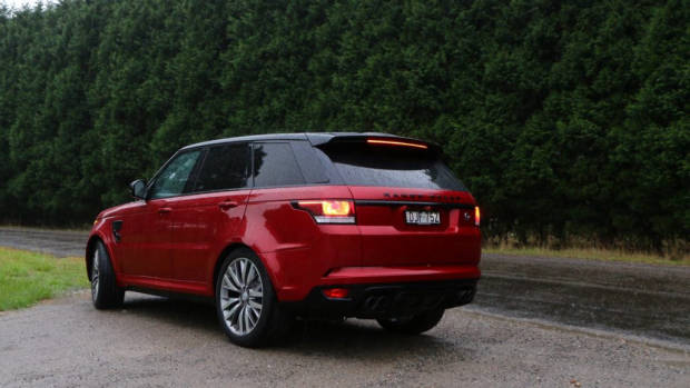 this week i 39 m driving the range rover sport svr chasing cars. Black Bedroom Furniture Sets. Home Design Ideas