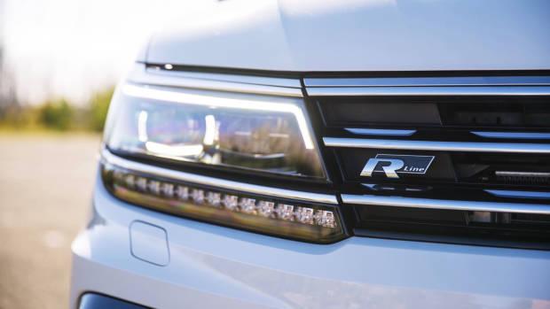 2017 Volkswagen Tiguan 162TSI R-Line badge