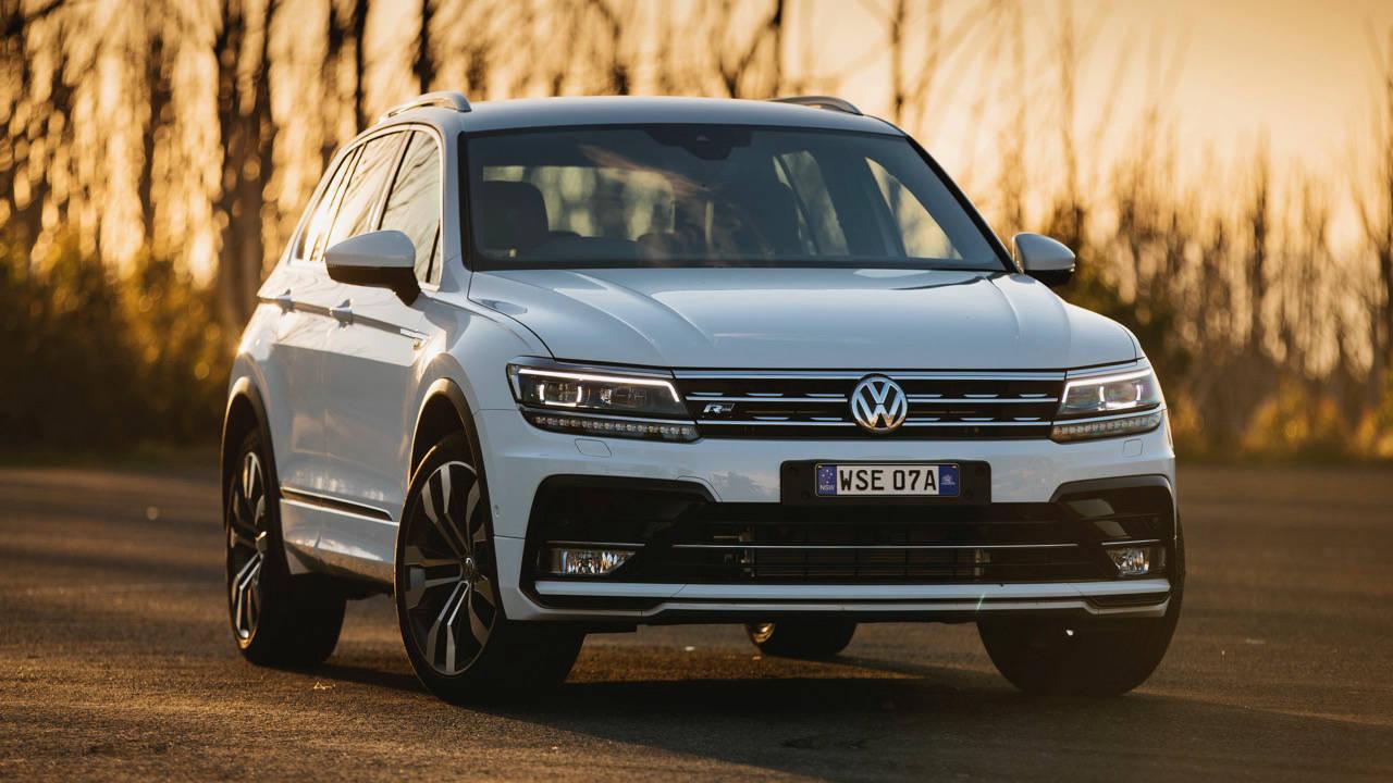 2017 Volkswagen Tiguan 162TSI R-Line front end