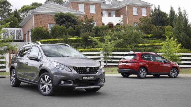 2017 Peugeot 2008 grey front
