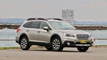 2017 Subaru Outback Premium Platinum Grey front end – Chasing Cars