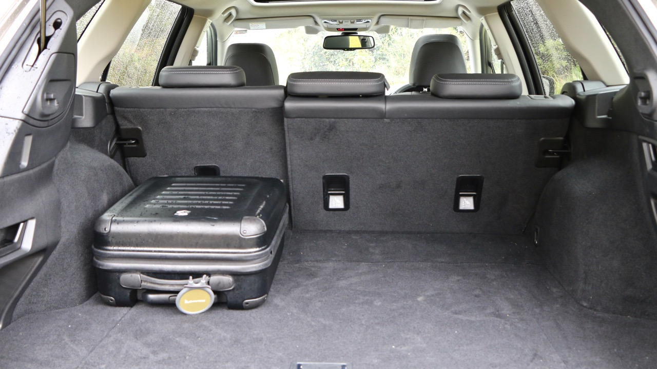 2017 Subaru Outback boot space – Chasing Cars