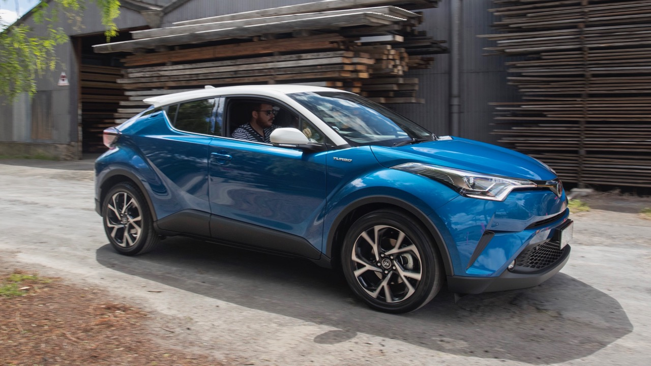 2017 Toyota C-HR Koba blue white roof – Chasing Cars