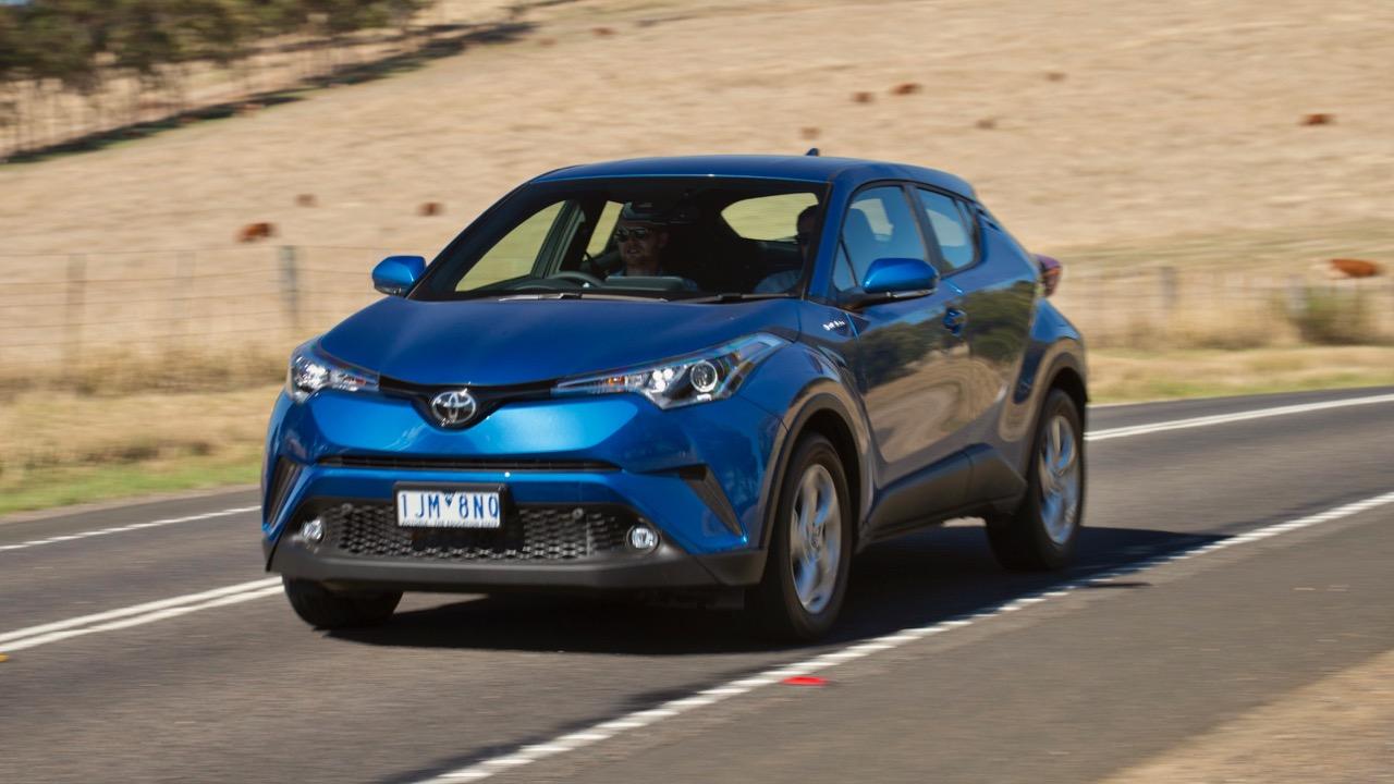 2017 Toyota C-HR blue – Chasing Cars