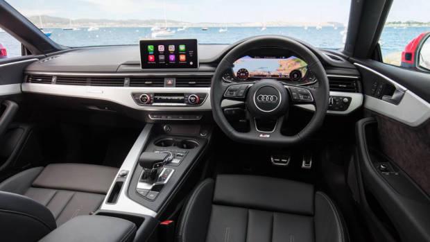 2017 Audi A5 interior dashboard