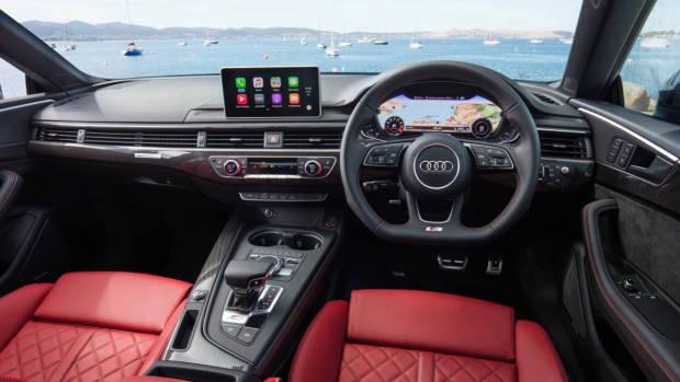 2017 Audi S5 interior dashboard