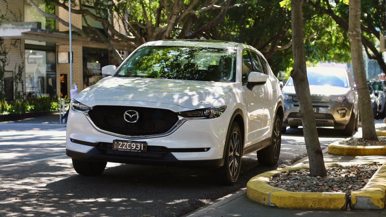 2017 Mazda CX-5 GT Snowflake White Pearl Front End
