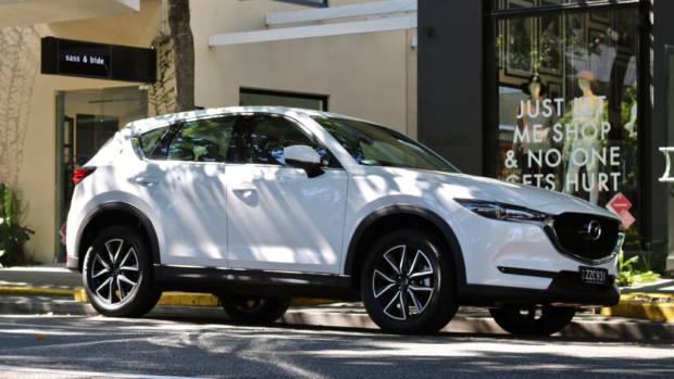 2017 Mazda CX-5 GT Snowflake White Pearl Side Profile